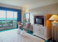 Deluxe Rock Island View Room 2