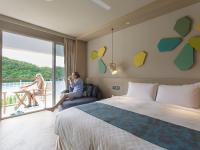 Deluxe Ocean Room 1