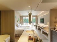 Deluxe Ocean Room 4